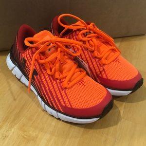 NWT Under Armour Orange tennis shoes
